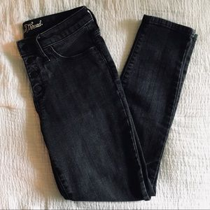 Black Universal Thread Button Front Skinny Jeans